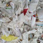 Papiers froissés en boule à jeter