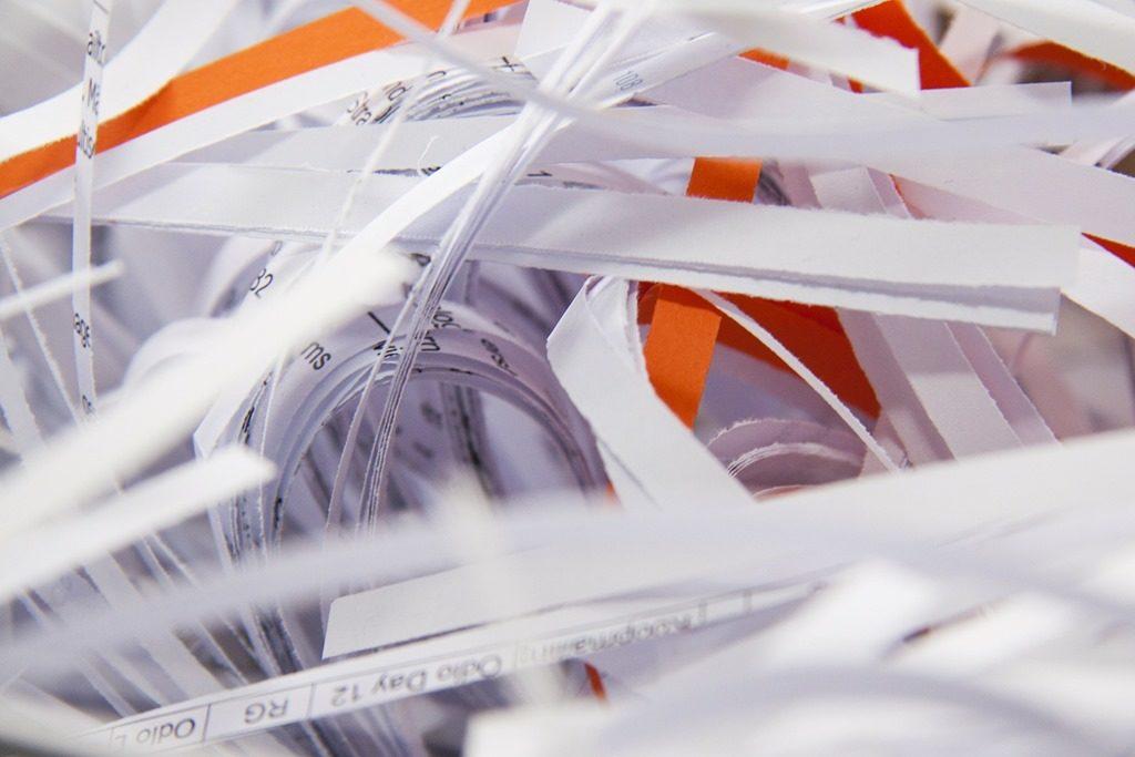 papier administratif déchiqueté