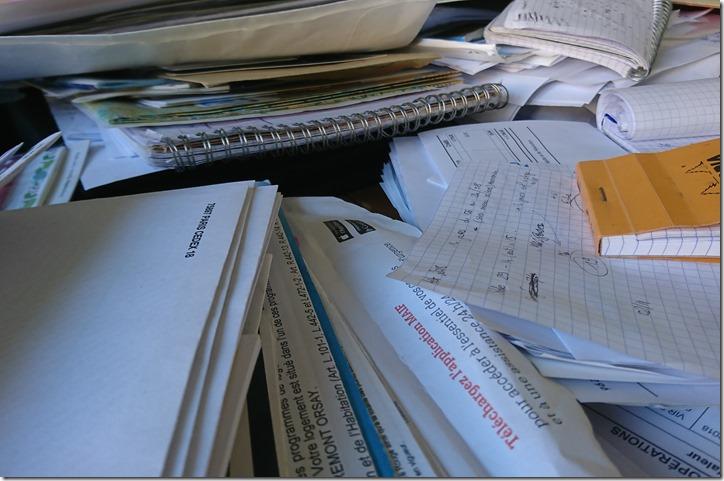 Tas de papiers à trier