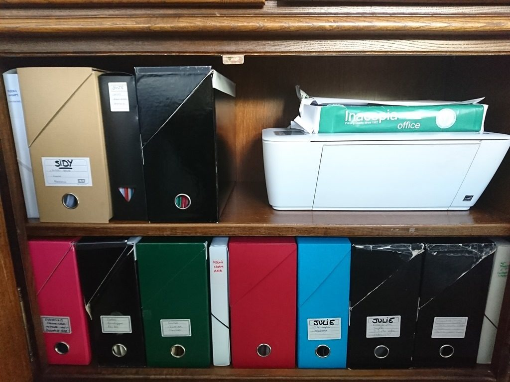 papiers administratifs rangés organisés