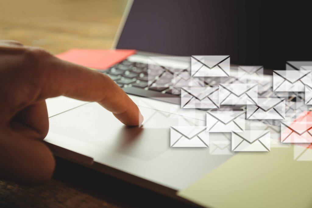 réception excessive mails courriels
